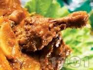 Вкусни сочни пилешки парти бутчета печени в гювеч с картофи, лук и доматено пюре на фурна